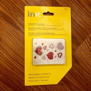 Accessories - NWT heart bling for cell phone